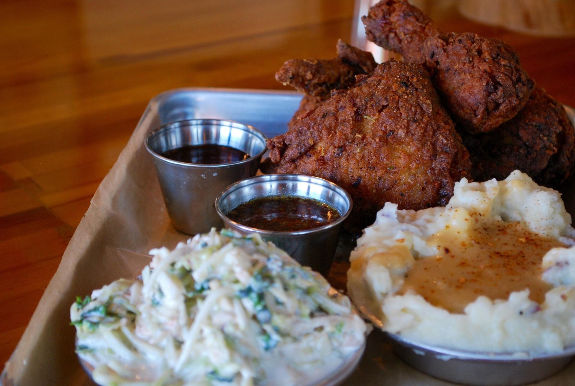 Byrd &#038; Barrel<br>Gourmet Chicken Fast